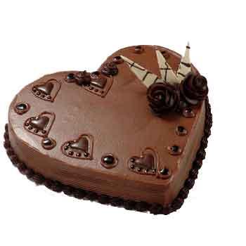 http://www.indiafloristonline.com/images/cakes/chocolateheartcake.jpg