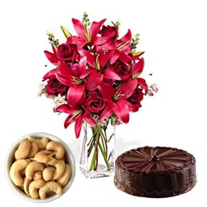 6 lilies vase with 200 gm cashews and 1 kg cake
