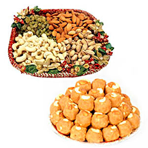 1/2 kg Dry fruits with 1/2 kg Boondi Ladoo