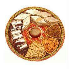 Thali with 250 gm dry fruit and 250 gm sweets