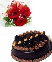 2 kg eggless Chocolate cake with 2 roses free