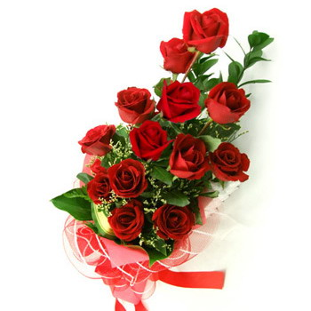 red roses in a bouquet
