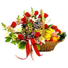 Basket of 2 kilo. fruits + bouquet of 15 mixed flowers