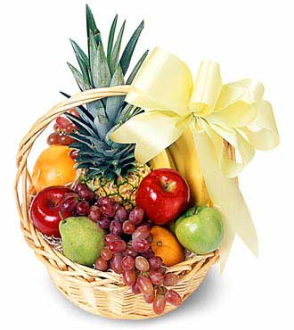 Basket of 2kg.fruits.