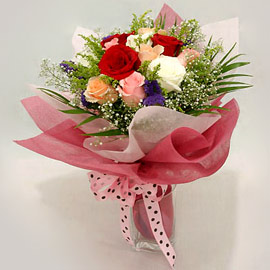 Bunch of 15 mixed flowers.