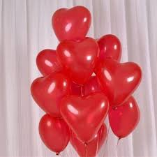 10 heart shaped gas balloons