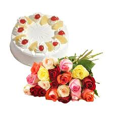 2 kg eggless Pineapple cake with 8 red roses