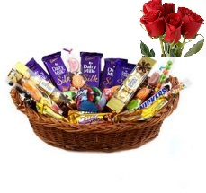 Medium Assorted Cadburys Chocolates Basket 4 roses5star Dairymilk Perk Kitkat etc